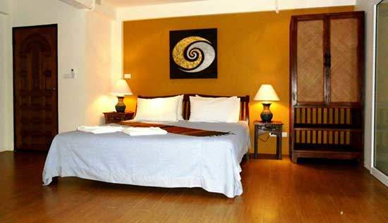 guest friendly hotels chiang mai seven suns residence