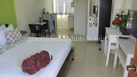 guest friendly guest houses pattaya moonlight place