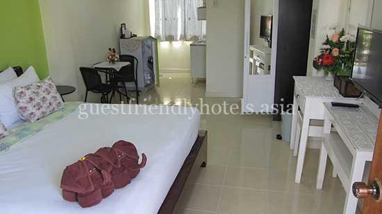 guest friendly hotels pattaya moonlight place