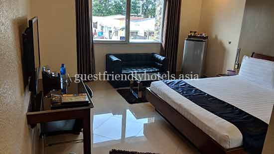 guest friendly hotels angeles city queens hotel